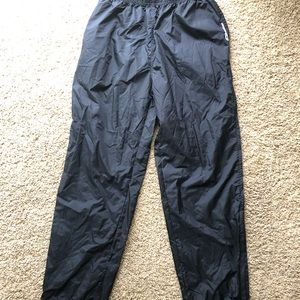 Reebok rain/wind pants. Size M